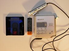 Sony Mz-R55 Md Walkman Mini Disc Player Recorder Silver with Battery And Disc