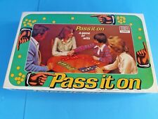 PASS IT ON -BOARD GAME~ FUN FAMILY GAME OF WITS~Vtg 1978~ #39~ WON AWARD~ IN USA