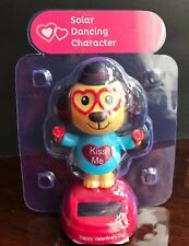 Solar Power Dancing Bobble Head Dog With Heart Glasses Toys New