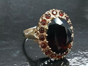 BEAUTIFUL SECONDHAND 9ct YELLOW GOLD AND ALMADINE GARNET CLUSTER RING SIZE O