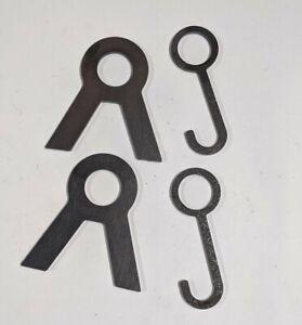 "1"" Black Pipe Target Hanging Stand & 4"" Long Hooks (2 Brackets & 2 Hooks)"