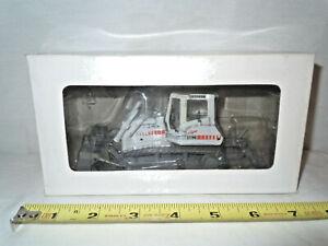 Liebherr 734 XL Dozer With Blade & Ripper   1/50th Scale