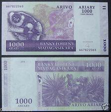 Madagascar Paper Money 1000 Ariary 5000 Francs 2004 UNC