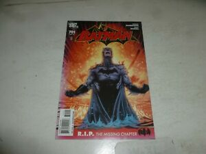 BATMAN Comic - No 701 - Date 10/2010 - DC Comic