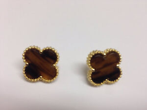 Clover tiger eye Motif Earrings.