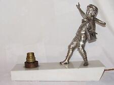 01D17 ANCIENNE LAMPE VEILLEUSE ART DÉCO 1930 - 1940 STATUE RÉGULE ENFANT ECOLIER