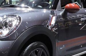 Mini OEM Countryman Paceman R60 R61 Park Lane Chrome & Red Side Vents Brand New
