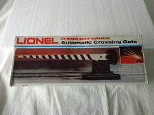 LIONEL O AND O27 AUTOMATIC CROSSING GATE