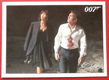 JAMES BOND - Quantum of Solace - Card #062 - Bond Finds an Underground Reservoir