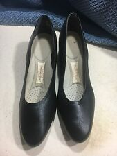 Stylin' Vintage Hush Puppies The Body Shoe All Day Pump Black 8N - Made in Usa
