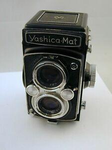 Yashica Mat TLR camera - 80mm Yashinon lens -Copal MXV Shutter - Parts or Repair