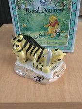 ROYAL DOULTON WINNIE THE POOH FIGURE TIGGER SIGNS THE RISSOLUTION WP6 - boxed