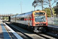 PHOTO  NSW TRAIN LINK ENDEAVOUR RAILCAR 2-CAR DMU NOS 2852/2802 ON A NEWCASTLE I