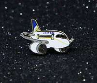 Pin United Airlines Dreamliner chubby pudgy Boeing 787 1 inch metal Pin  B787