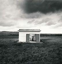 Photographie Station de pompage, paysage tirage argentique époque v. 1970