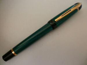 WATERMAN PHILEAS GREEN & BLACK GOLD TRIM ROLLERBALL PEN IN VERY GOOD CONDITION