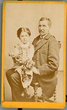 PHOTO CDV  Lyon Brotonnière un père son enfant et sa poupée a child with doll