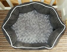 """BEAUTIFUL OVAL GREY PLUSH CAT BED - EX COND 24"""" x 21"""""""