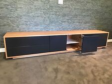 JANNA TV ENTERTAINMENT UNIT  - AMERICAN OAK HARDWOOD - W:2400 MM