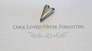 10 Pewter MEMORY Heart Charms ~ Loved One OR Pet...Also GREAT for Weddings!