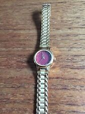 Femmes Titan Red face couleur Or Watch W178e