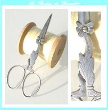 Ciseaux anciens de nécessaire couture brodeuse à broder Antique sewing scissors