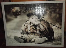 "Großes Puzzle Bild mit Holzrahmen 70cm x 53cm ""Bettelndes Kind"""