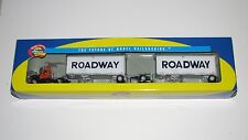 """Athearn Roadway Mack """"R"""" & 2 ~ 28' Trailers~New Old Stock~Ho Scale"""