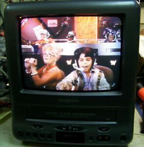 """Broksonic 9 """" TV VCR Combo & Retro Gaming Television just serviced CTSGT-2799C"""