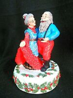 Vintage Mr+Mrs Santa Claus Music Box Christmas Decoration~ Musical Wind-Up