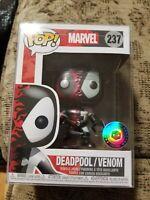 Funko Pop! Marvel - Deadpool/Venom 237 w/Pop Protector Exclusive in protector