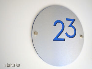 Modern House Numbers, Round Alucobond with Blue Acrylic - Sign Plaque - Door No