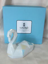 LLADRO SWAN BRAND NEW IN BOX #9263 LOVE NICE COLOR SAVE$ FREE SHIPPING