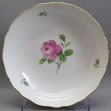 Meissener-Porzellangeschirr mit Schalen-Rosen