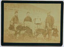 Famille nombreuse en promenade Vintage ca 1880