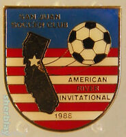 VINTAGE Soccer Ball Sports SAN JUAN SOCCER CLUB 80s Hat Pin Badge Pinback