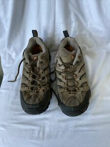 Merrell Size 8 Hiking shoes