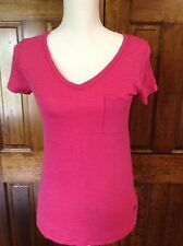 Abercrombie & Fitch T Shirt Size XS Women's Fitted Pink Pocket V Neck