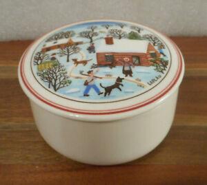 "Villeroy & Boch Naif Christmas Trinket Box 3"" Round Porcelain w Lid Log Cabin"