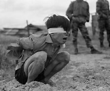 "Viet Cong prisoner awaits interrogation 8""x 10"" Vietnam War Photo Picture 134"