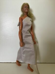 1977 KENNER BIONIC WOMAN JAMIE SOMMERS DOLL FROM SIX MILLION DOLLAR MAN 1ST/ED