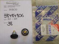 IVECO EuroTech CURSOR 2* Befestigung Scheibe seitlich Fahrerhaus 98484806 SET