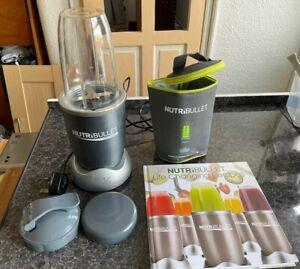 NutriBullet 900 series Magic Bullet, blender / smoothie maker with accessories