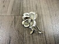 VINTAGE 925 STERLING SILVER FLOWER WITH STEM BROOCH PIN BADGE HALLMARKED RARE