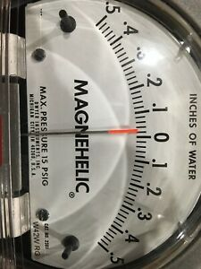 NEW Dwyer Magnehelic Differential Pressure Gauge .5 to .5 inches of water # 2301