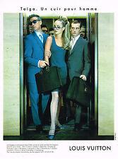 PUBLICITE ADVERTISING 025  1997  LOUIS VUITTON bagages accessoires TAIGA homme