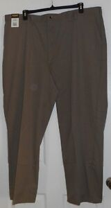 Rustler Classic Olive Relaxed Fit Wrinkle Resist Khakis Size 46 x 30 NWT