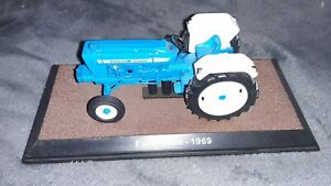 Atlas Editions 1/32 Scale Model Tractor FORD 5000-1969