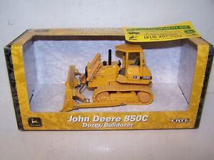 Die Cast John Deere 850C Dozer By Ertl 1/50th Scale New In Box w/ DEALER CARD
