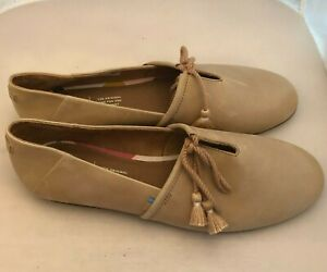 Toms tan super soft leather slip on loafers moc size 9 tassel tie - gorgeous